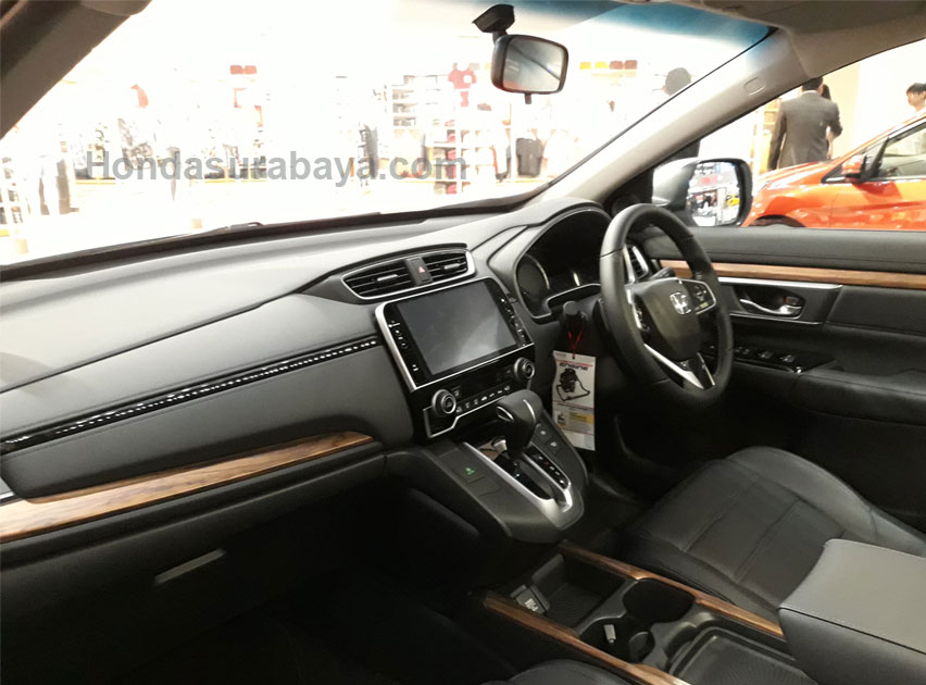 interior honda CRV turbo